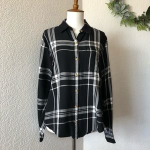 Abercrombie & Fitch • Black and White Flannel